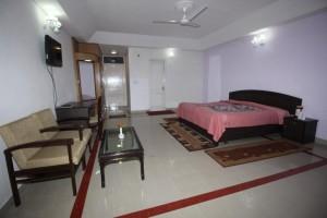 Gallery 17 Dhauladhar Cedar Suite
